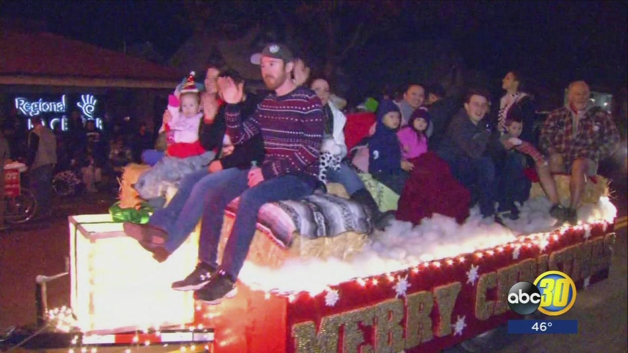 Thousands pack Visalias Main Street for 72nd Candy Cane Lane Parade