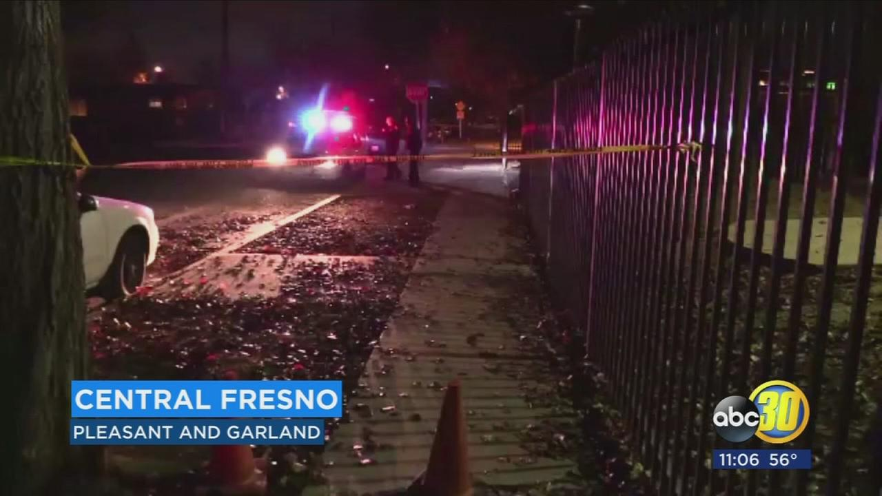 Police searching for gunman after shooting leaves a man injured in Central Fresno