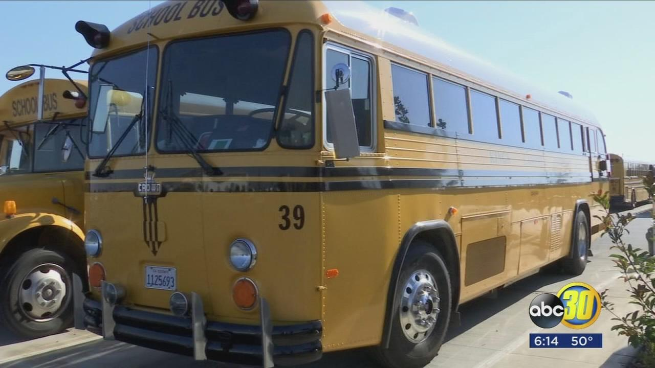 Kings Canyon Unified School District in Reedley rolls out clean air buses