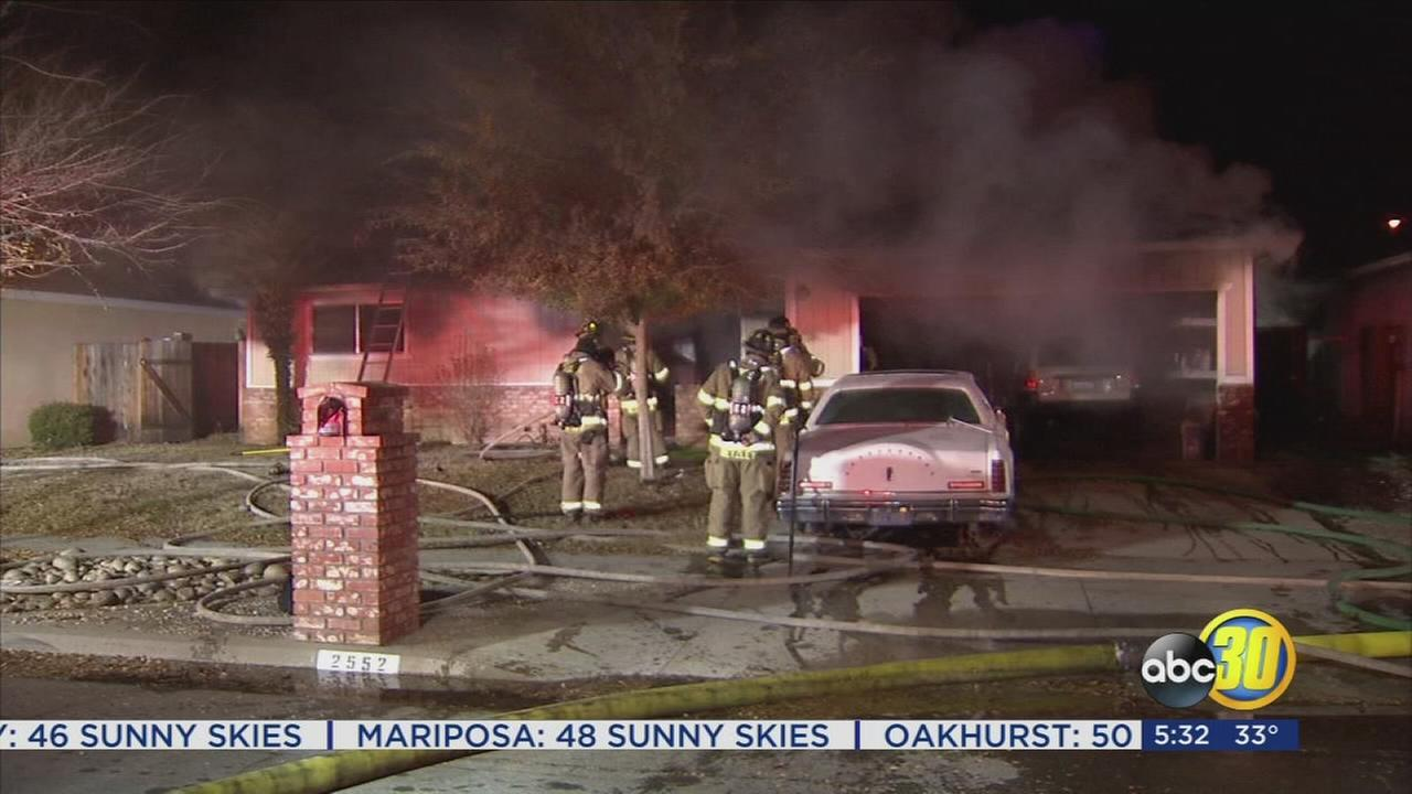 Man dies in early morning house fire in Northwest Fresno