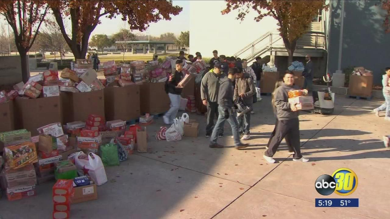 Community Food Bank gets holiday help from students