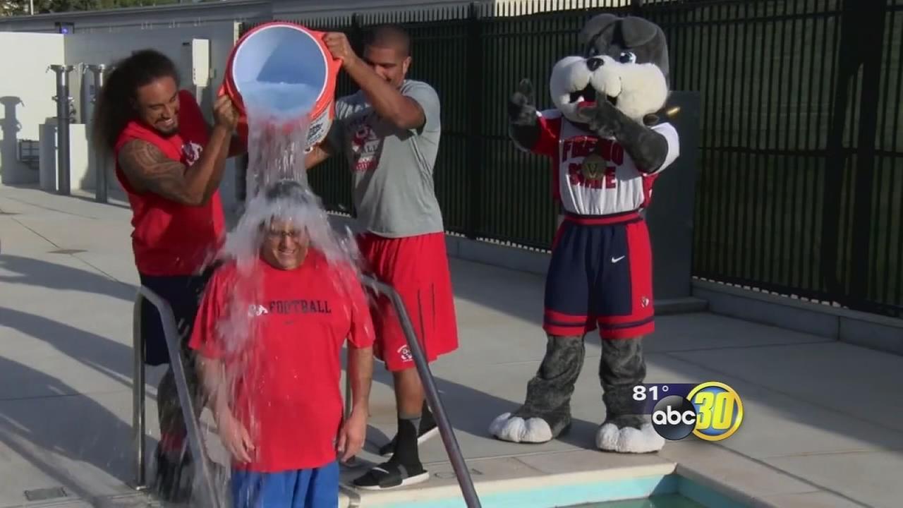 Fresno State president takes Ice Bucket Challenge