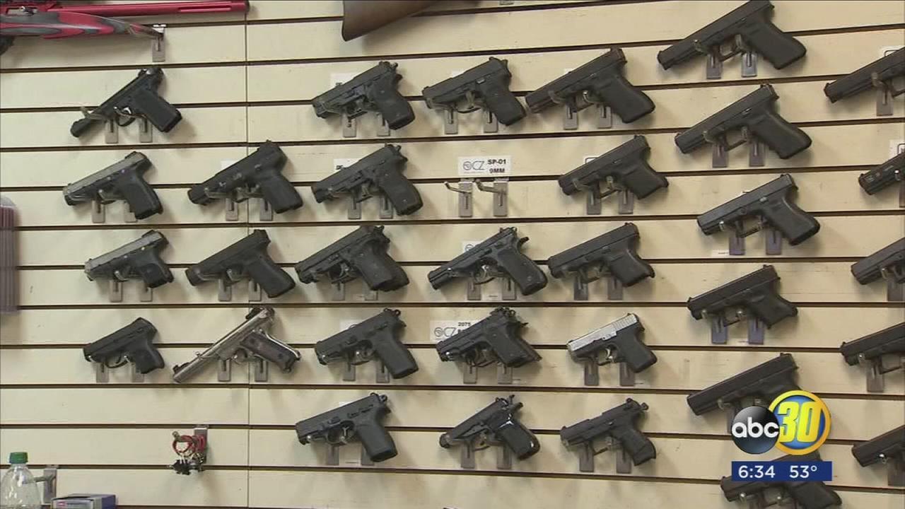 122617-kfsn-6p-gun-lawsuit-vid_1