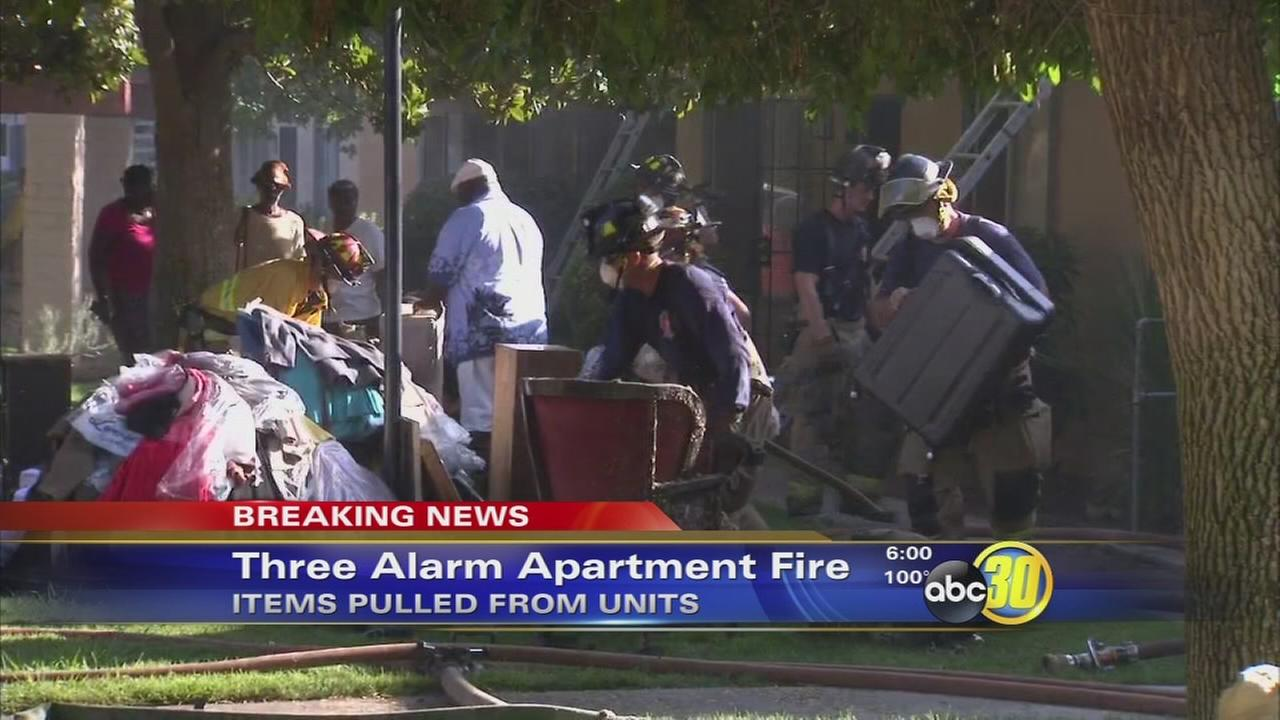 Fire in Central Fresno displaces 19 people