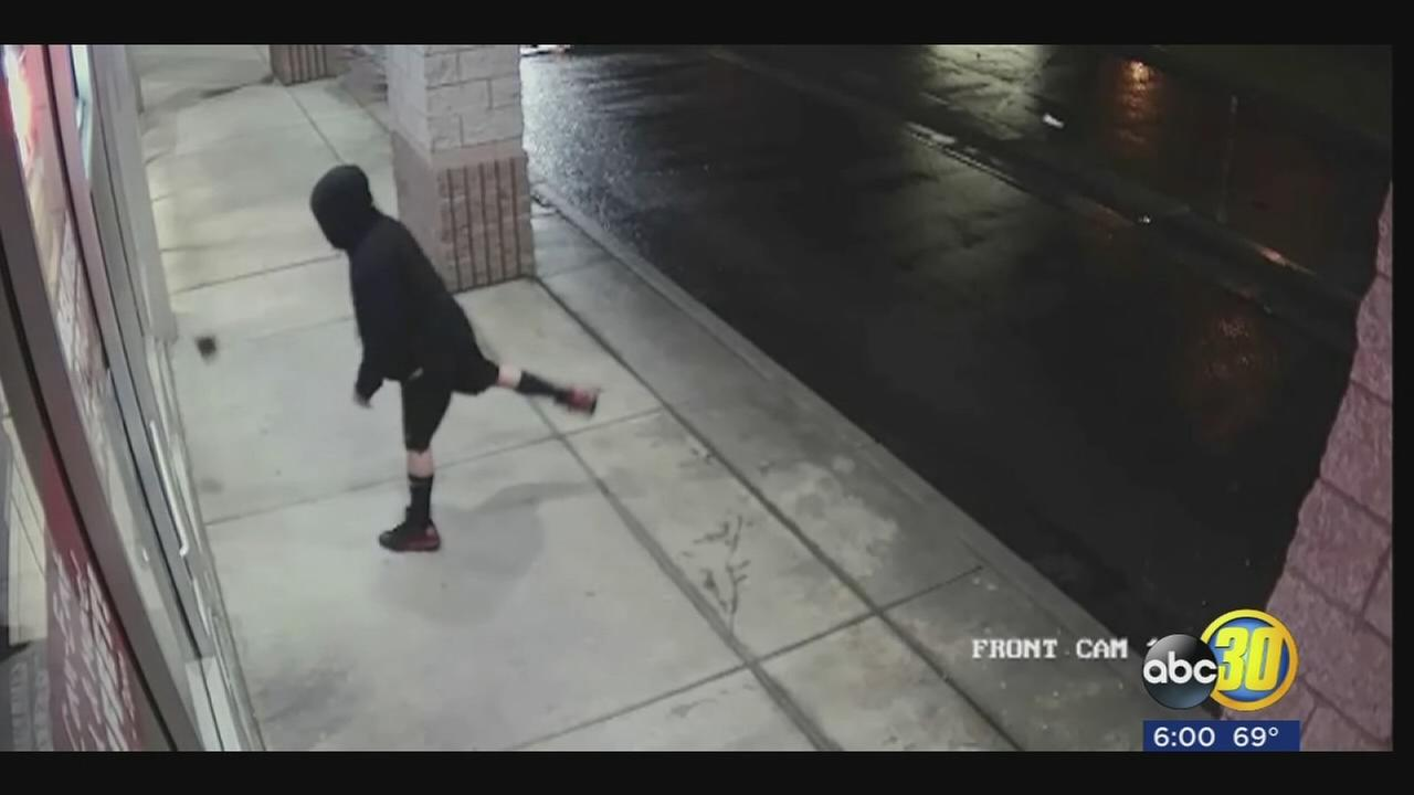 Fresno PD searching for 3 suspects who stole TVs from pizzeria