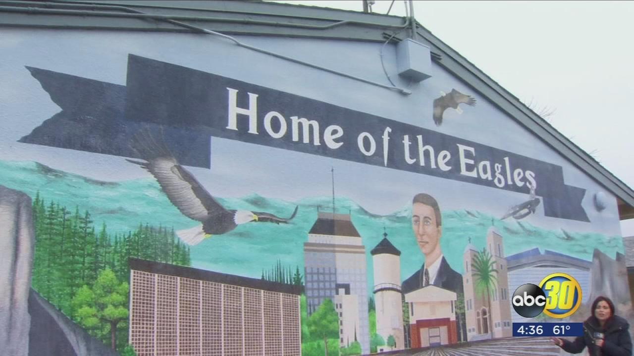 010818-kfsn-4pm-ewing-mural-dedication-vid_1