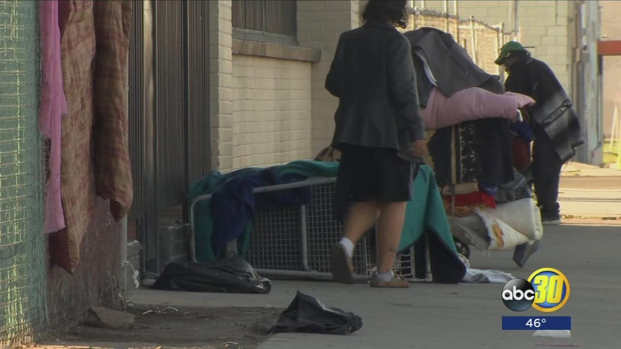 Volunteers hit Fresno streets to count growing homeless population