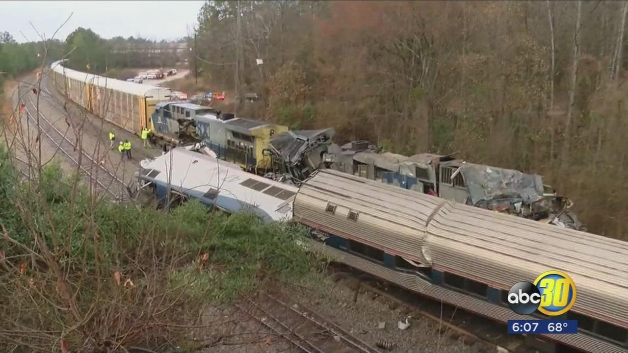 2 dead, over 100 hurt after Amtrak train from New York crashes in South Carolina