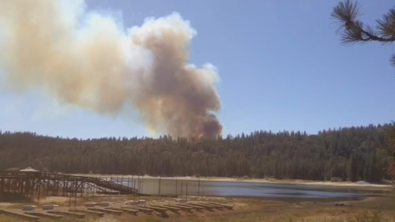 RAW VIDEO: Wildfire burns in Oakhurst area