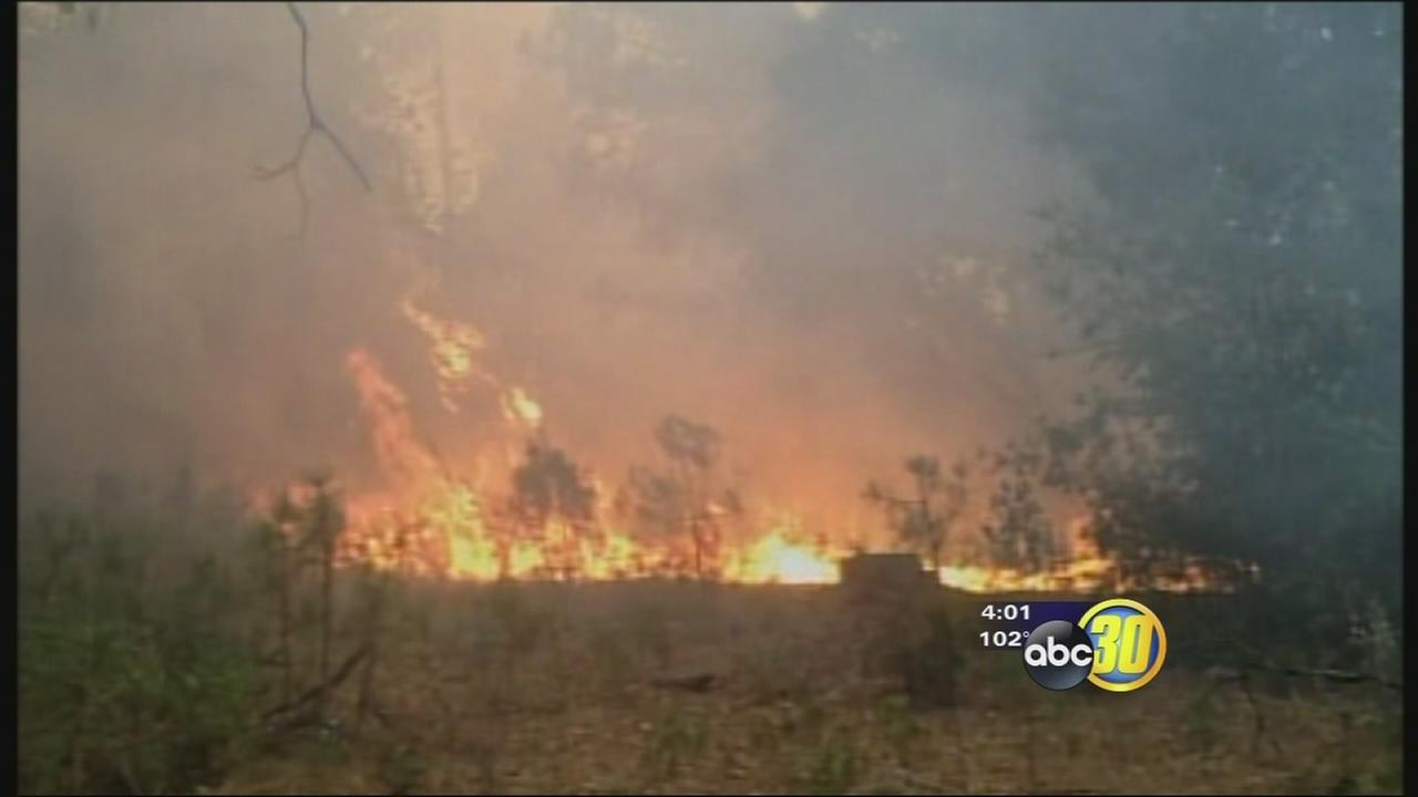 Crews work to contain Madera County wildfire