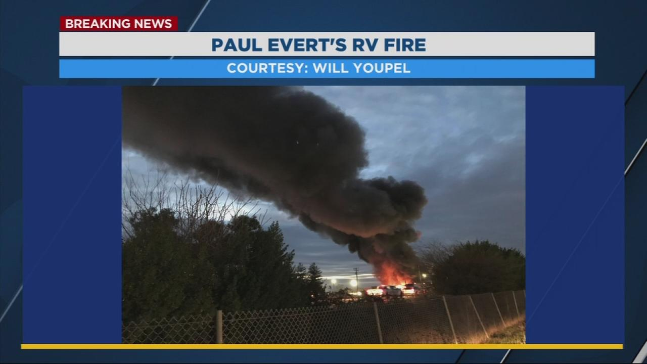 Large commercial fire at Paul Everts RV Center in Southwest Fresno