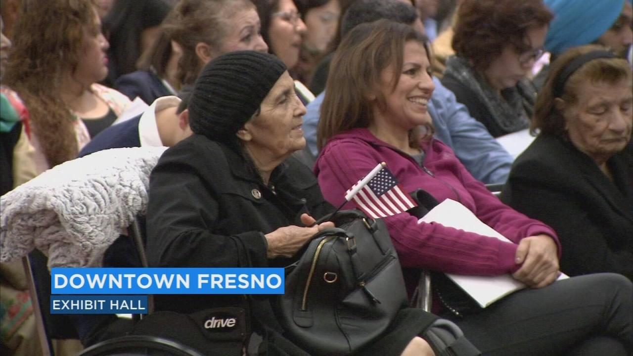 Hundreds of Central Valley residents sworn in as US Citizens at naturalization ceremony