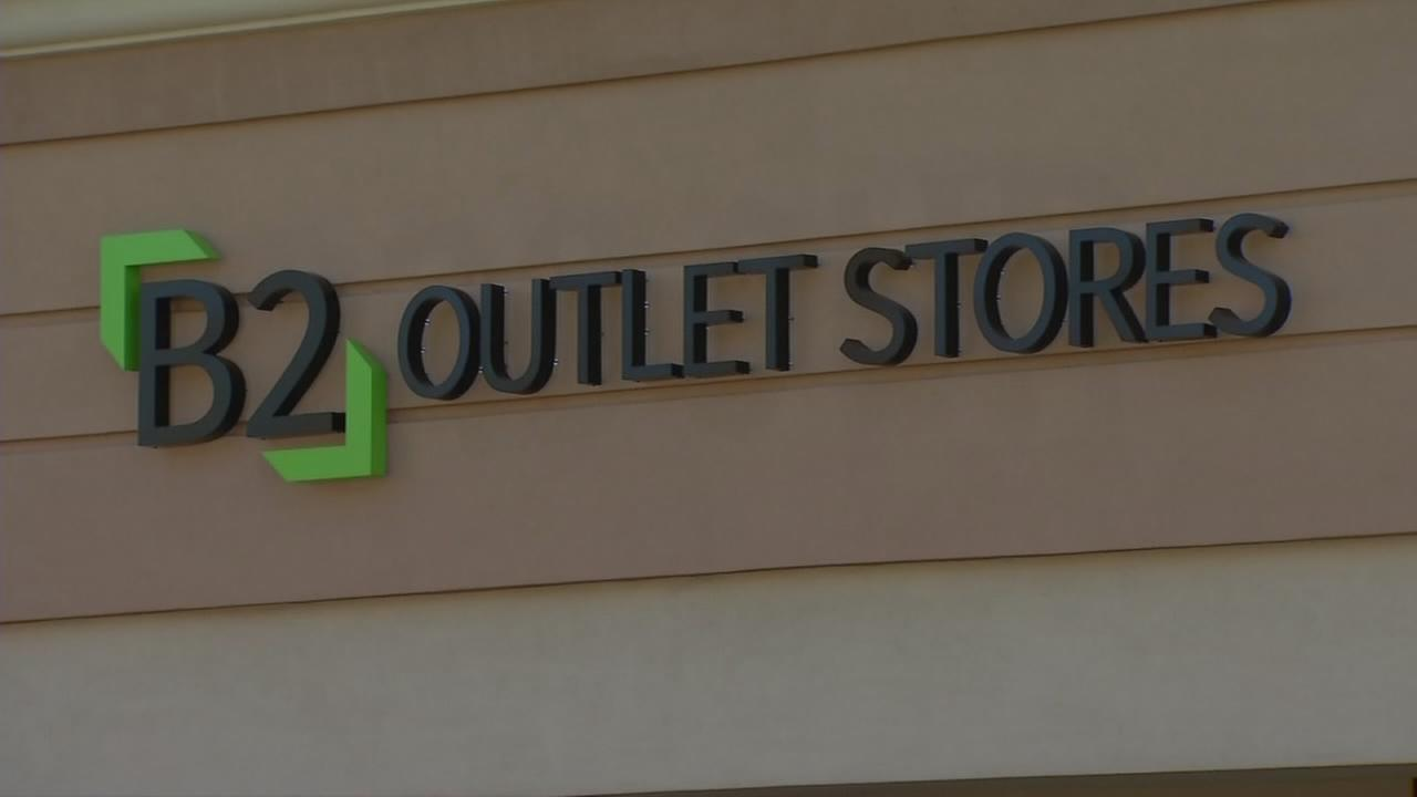Tulare Outlets have a new tenant