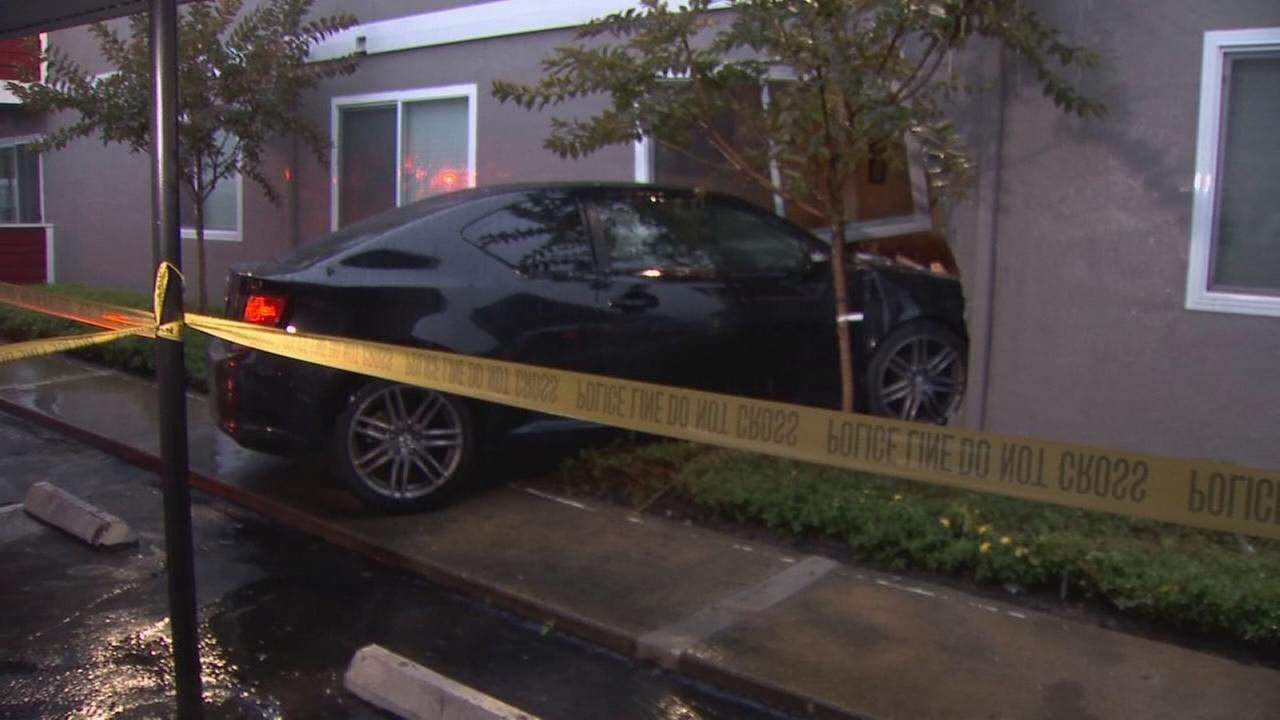 Family left without home after car rams into Northeast Fresno apartment