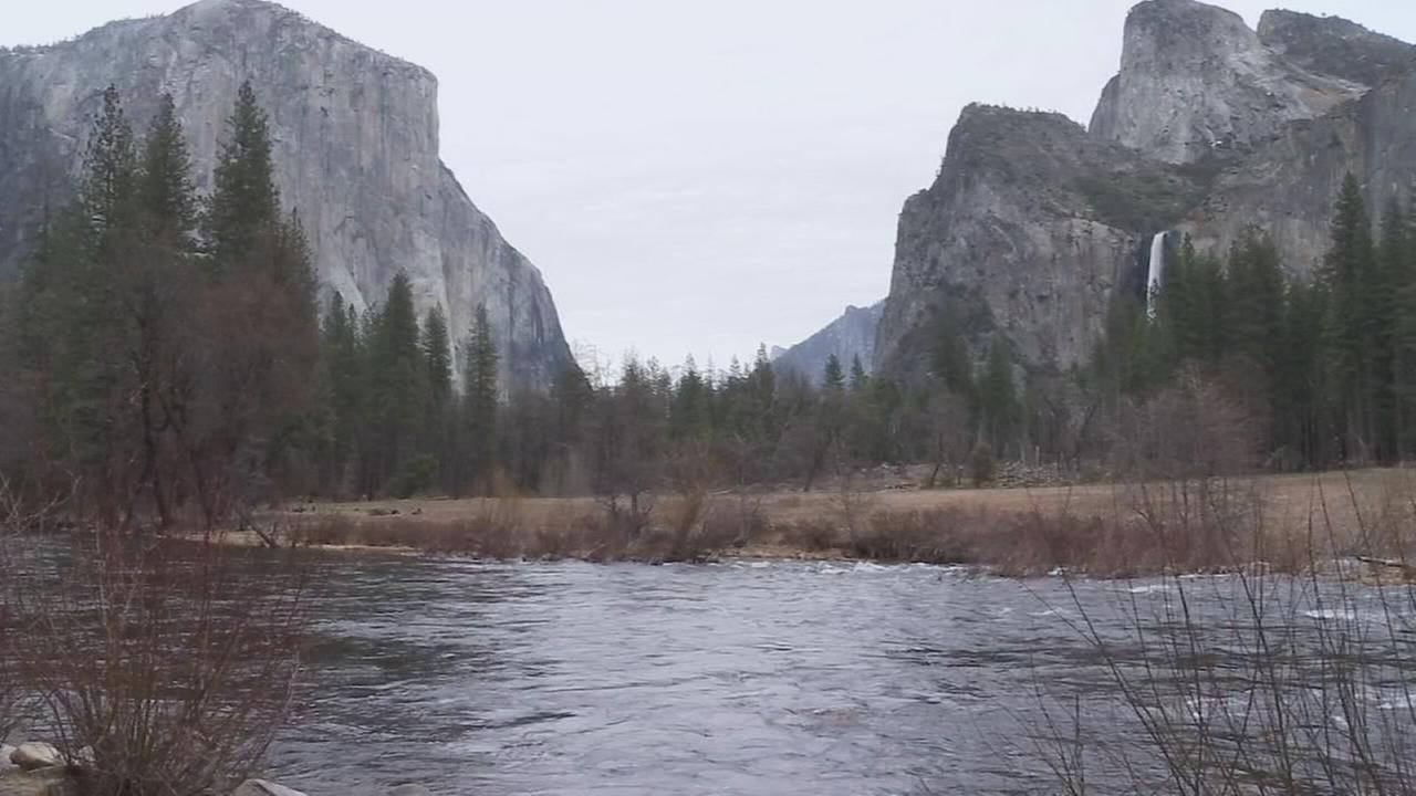 Yosemite Valley to close Friday in unusual move by park service
