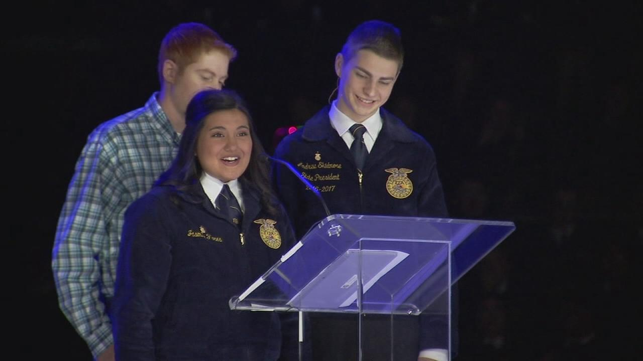 Grizzlies donate $2,500 to FFA students after trailer stolen days before leadership convention