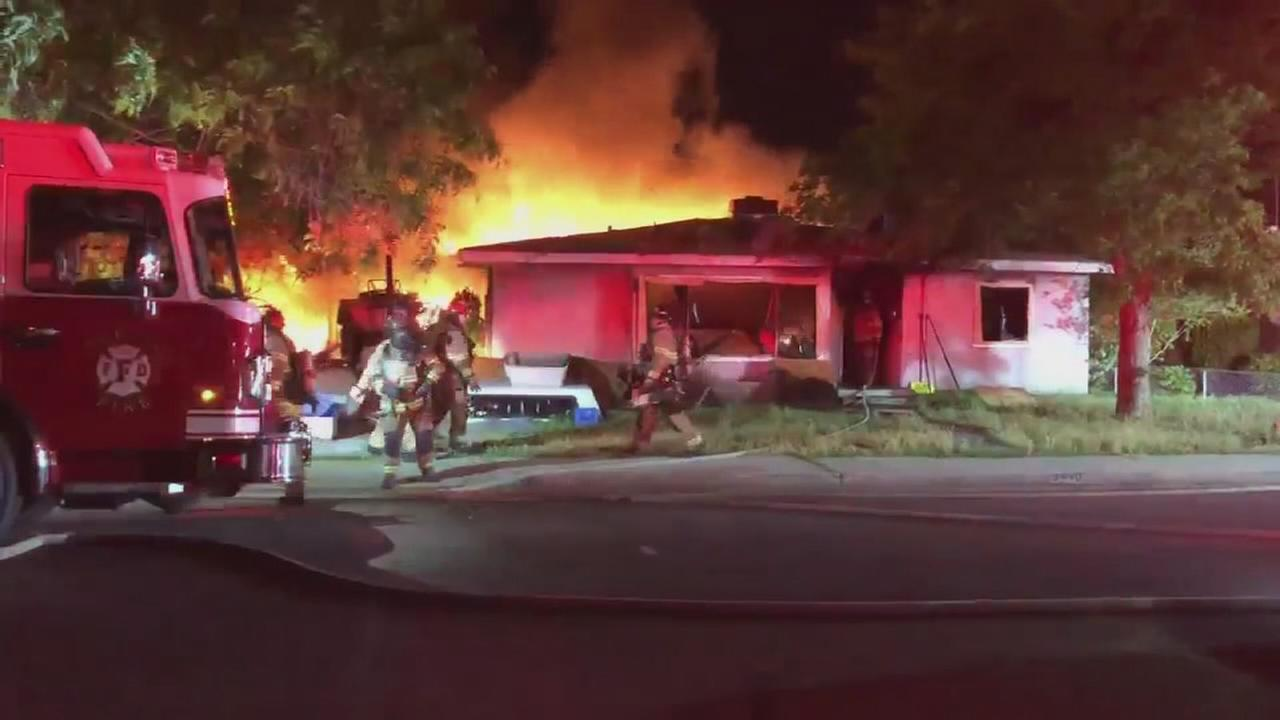 Vacant house fires threatening Fresno neighborhoods
