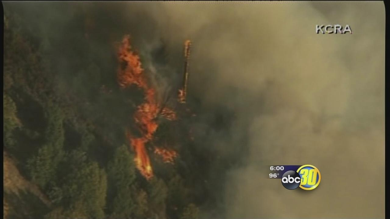 Dog Rock Fire prompts evacuations in Yosemite, HWY 140 closed