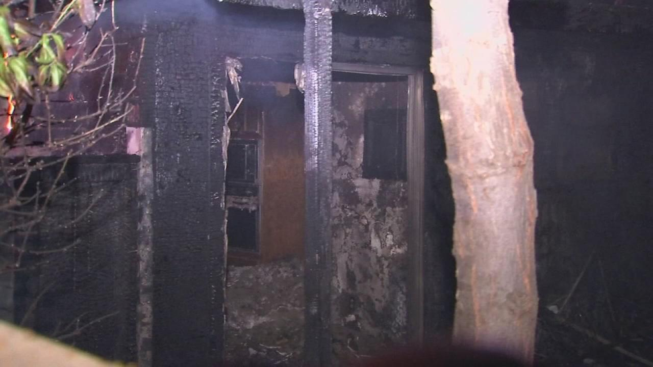 4 people displaced by 2-alarm apartment fire in Northwest Fresno