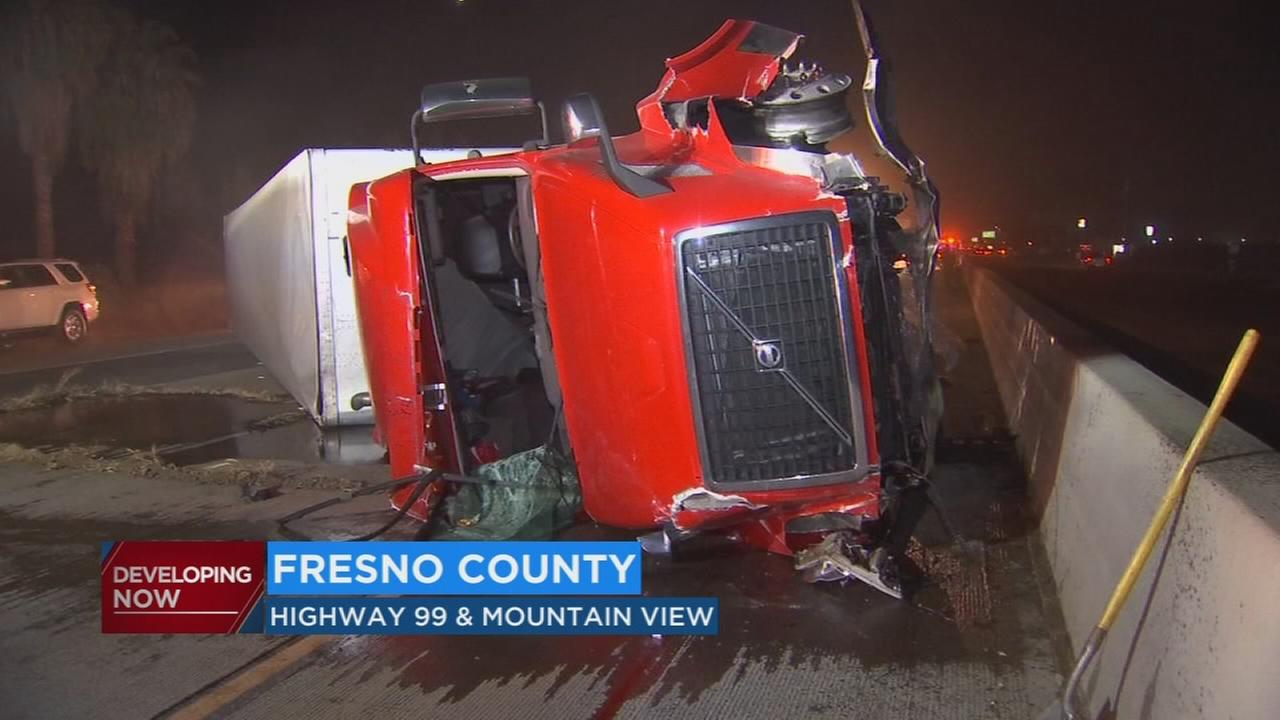 Northbound Highway 99 near Selma reopens after big rig crash