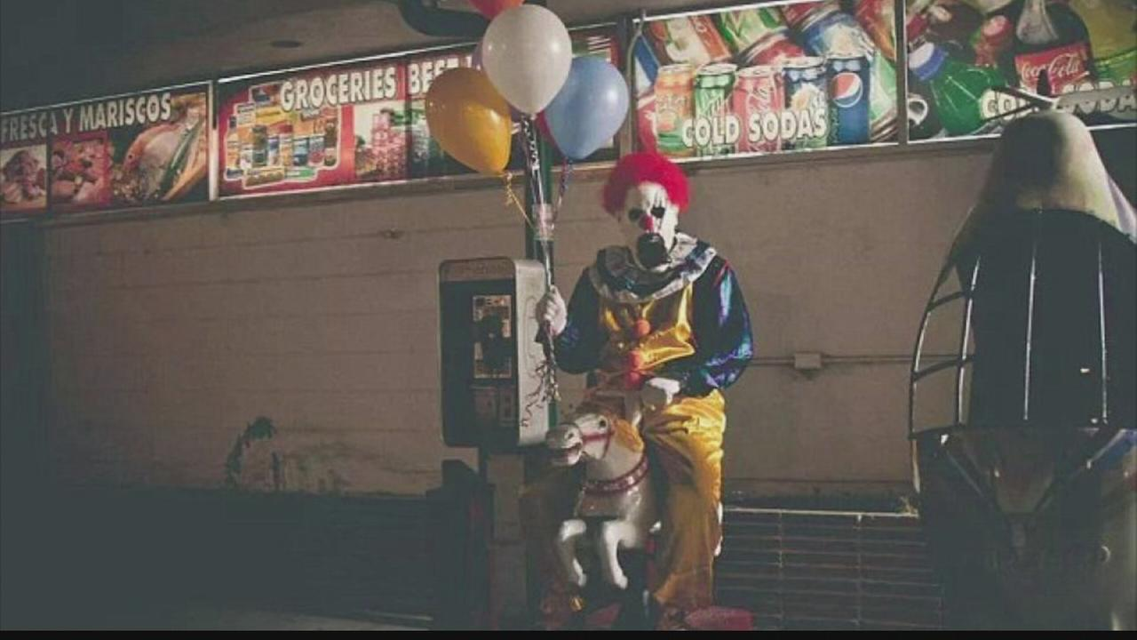 Creepy clown inspires copycats in Valley cities