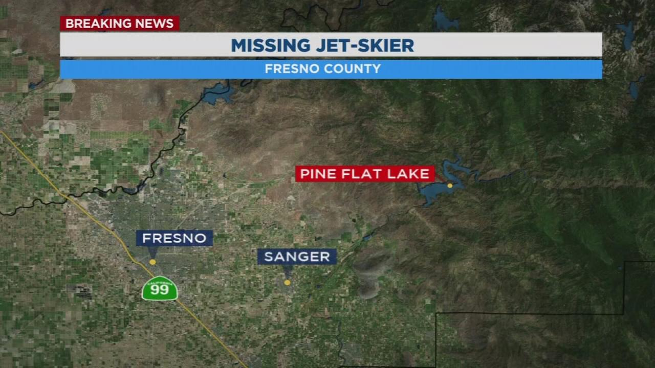 Sheriffs boats and helicopters search Pine Flat Lake for missing jet-skier