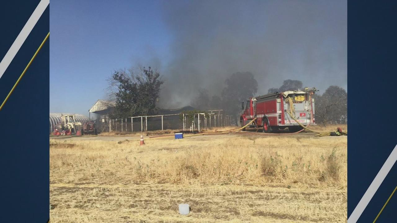 1 person injured after house fire turned grass fire in Tulare County