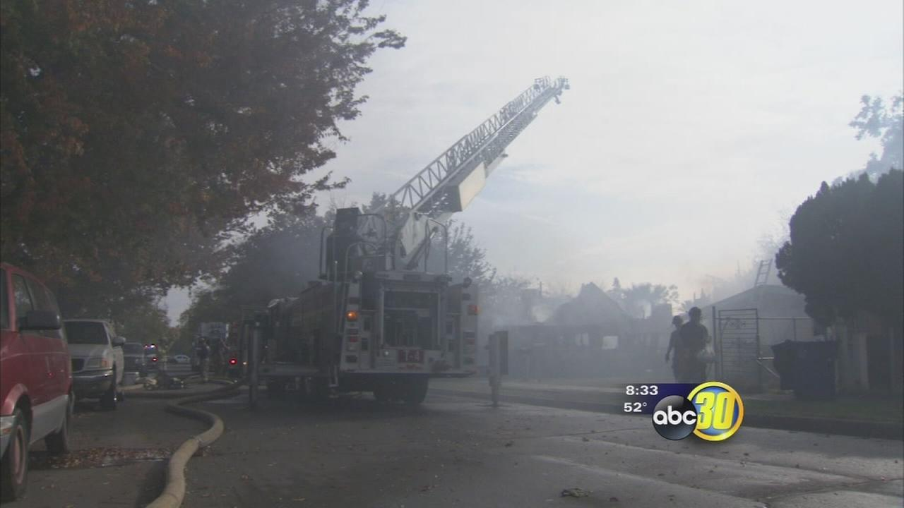 Fire destroys SE Fresno home, prompts evacuations