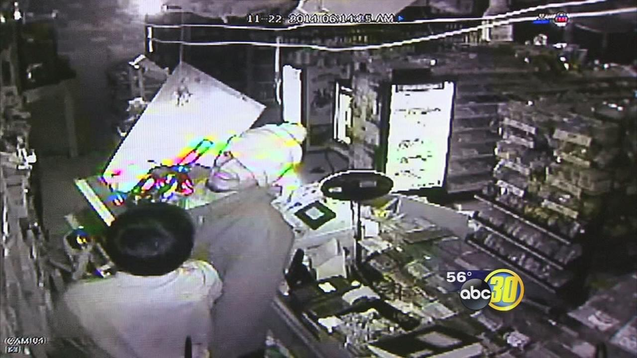 Surveillance camera captures Fresno liquor store burglary