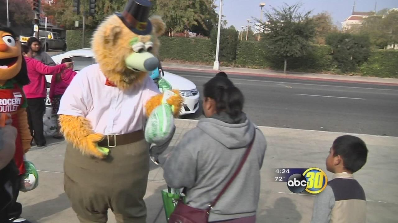 Good Sports: Fresno Grizzlies spread holiday cheer