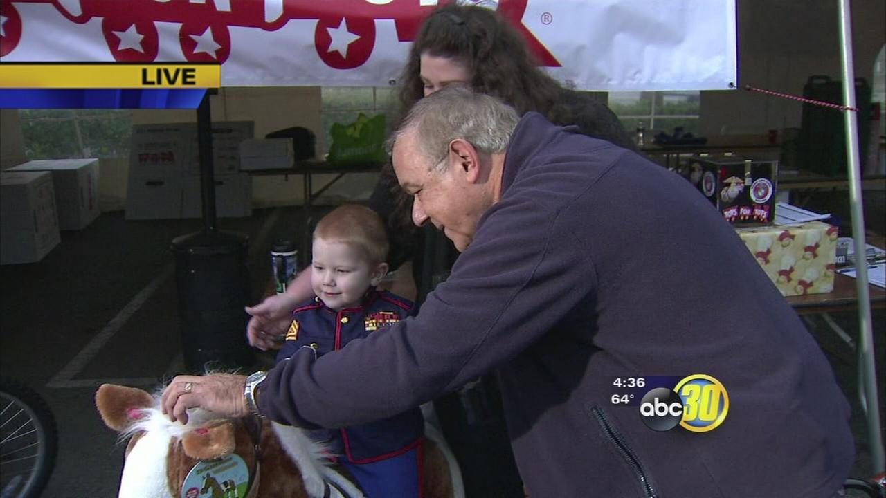 Valley residents donate to Toys for Tots