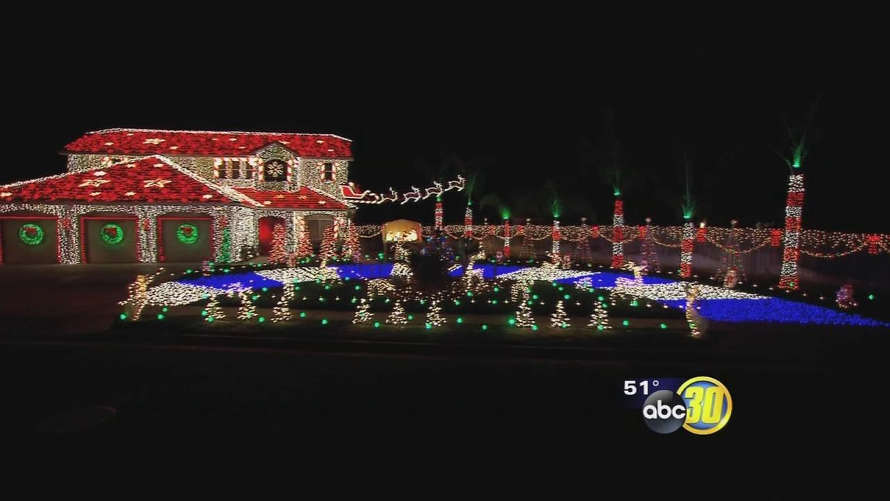 Sanger family represents Valley on Great Christmas Light Fight