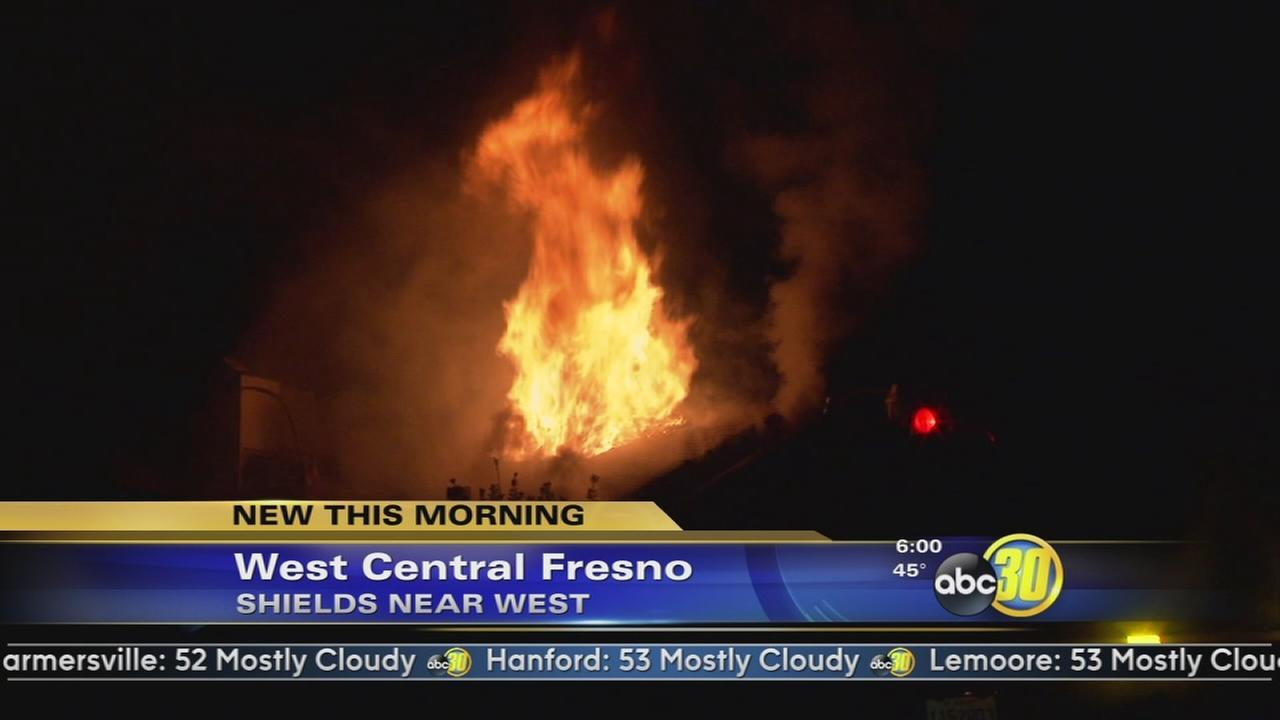 2 families displaced in Central Fresno apartment fire