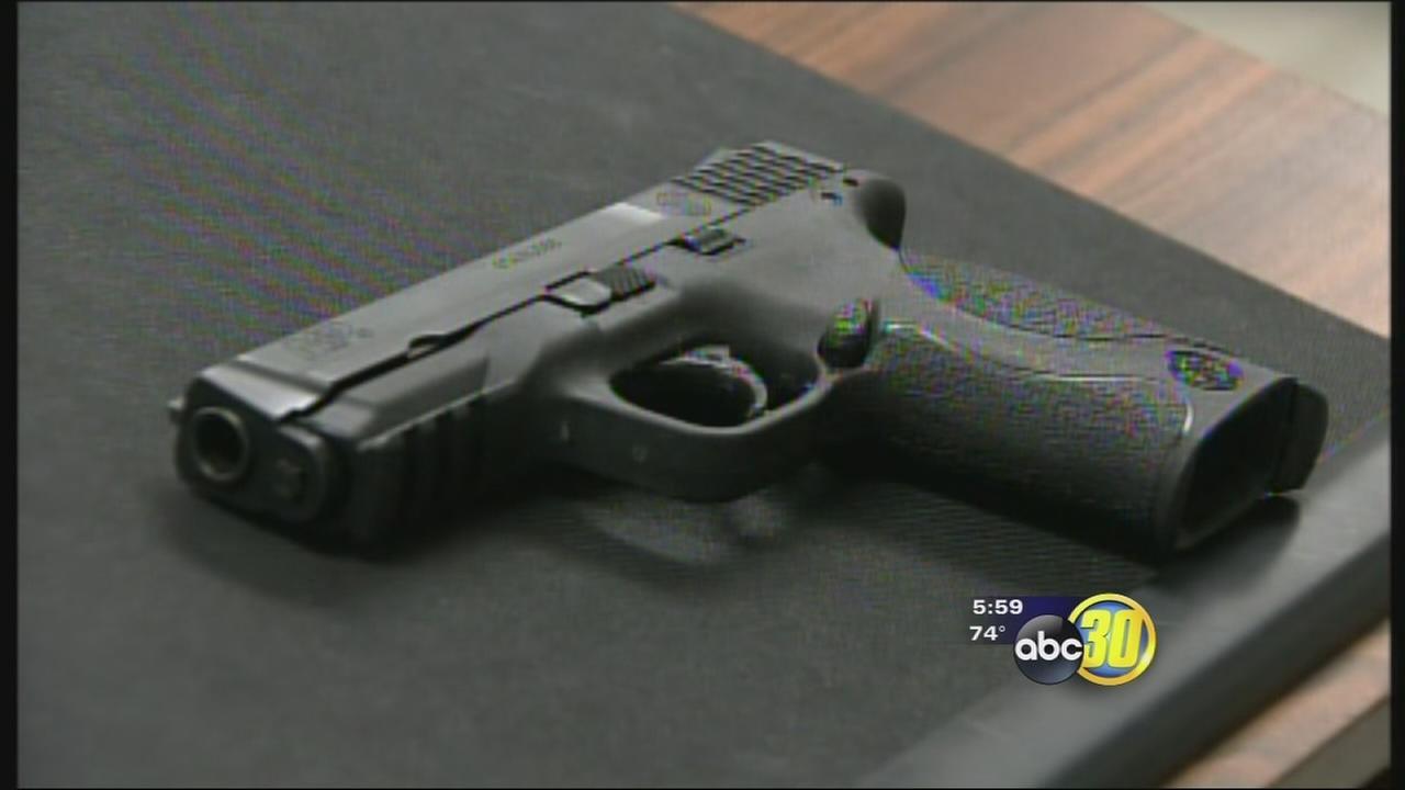 Madera County sheriffs lieutenants daughter, 8, shot by sister, 10, Fresno police say