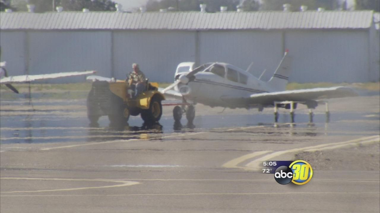 Plane makes lopsided landing at Fresnos Chandler Airport