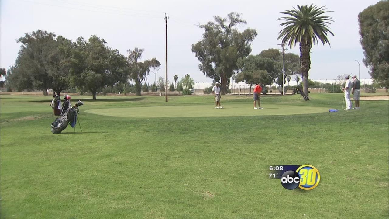 Governor Jerry Browns new water mandate affects local golf courses, Fresno State