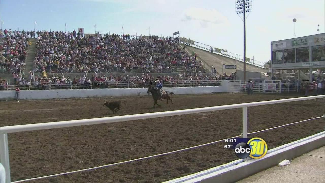 Rain doesnt dampen Clovis Rodeo fun on Saturday