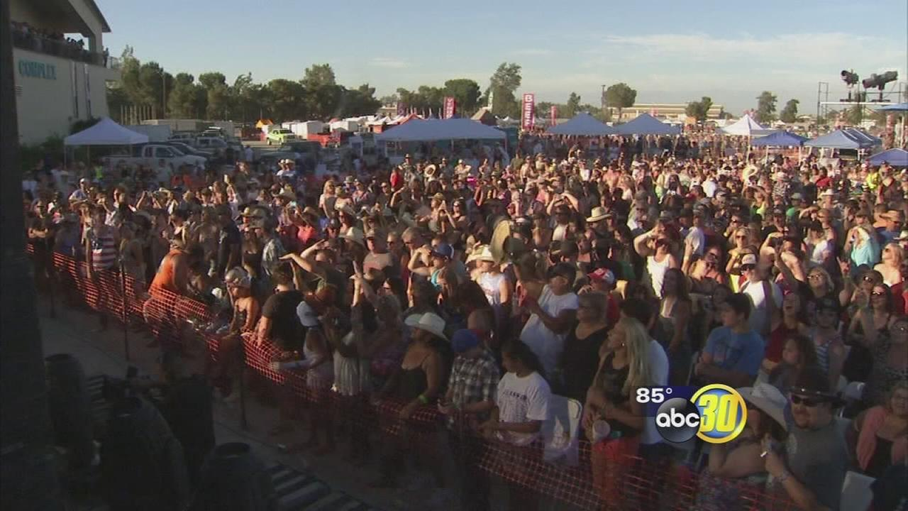 Valley residents brave the heat at several events