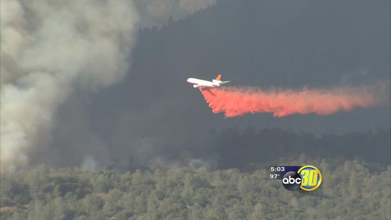 Sierra wildfires keep air tankers in constant motion