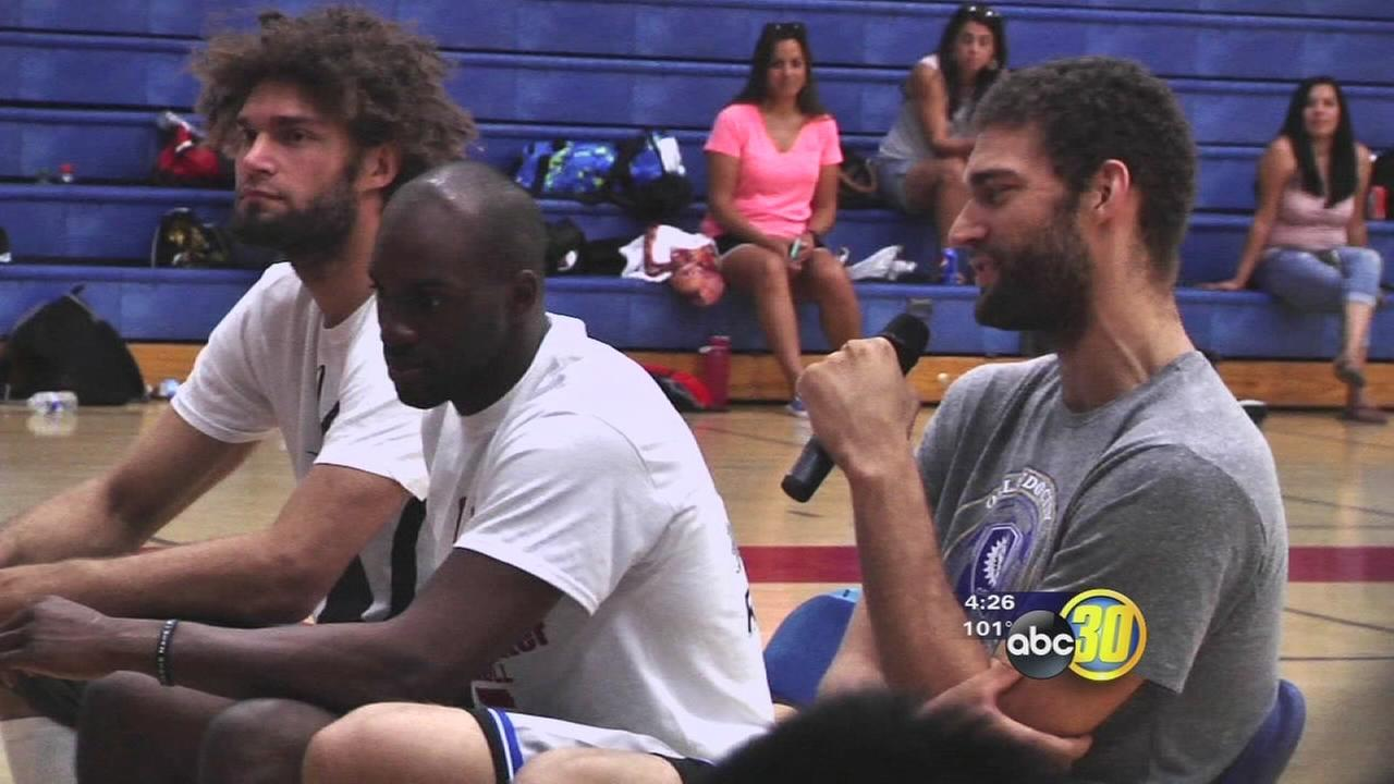 Good Sports: Brook and Robin Lopez, and Quincy Pondexter