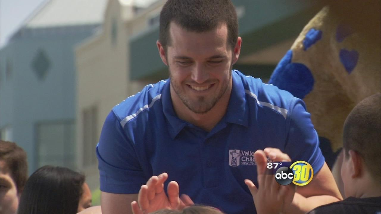 Derek and David Carr team up with Valley Childrens Hospital