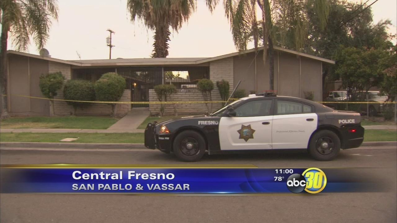 Man dead after stabbing at Central Fresno apartment