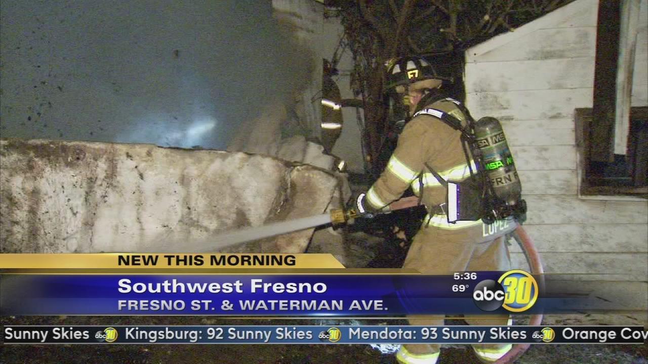Firefighter injured in Southwest Fresno house fire