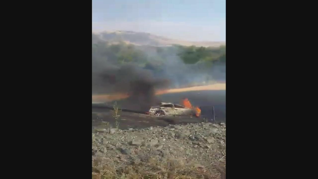 Car cash starts wildfire near Pine Flat Lake