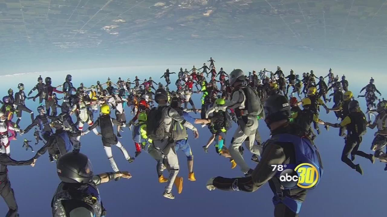 Clovis couple jumps from plane, sets world record