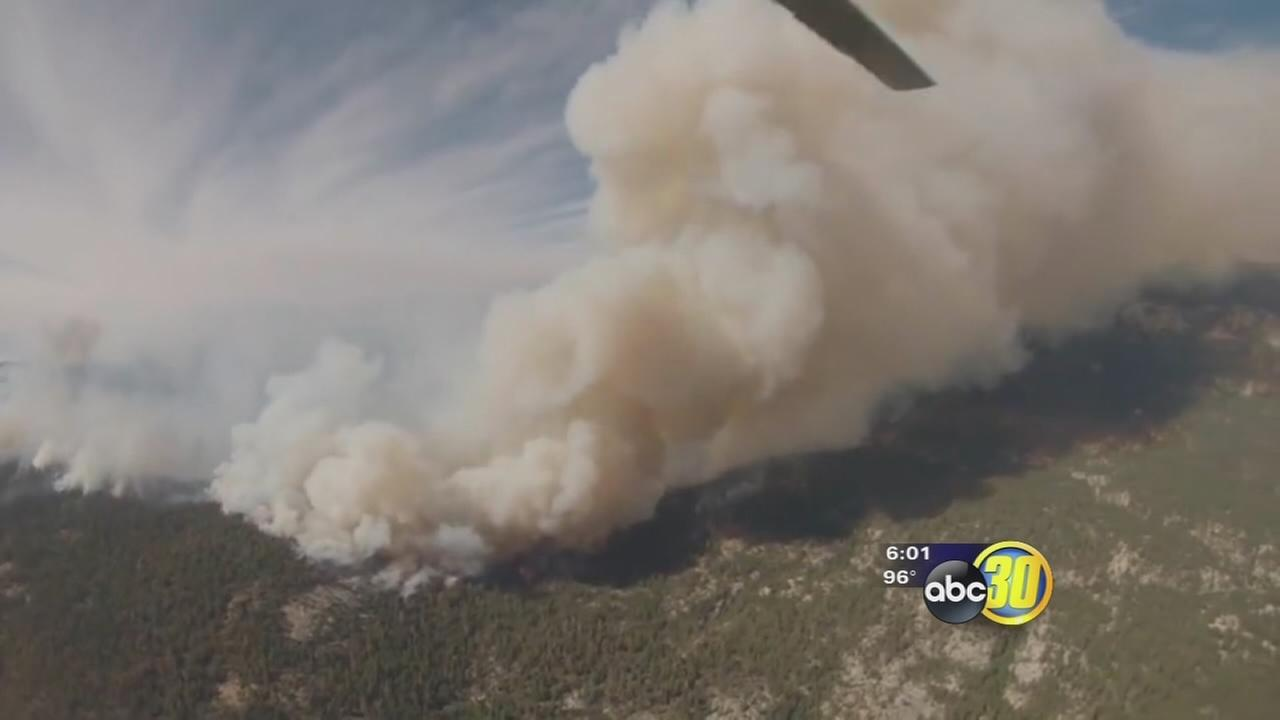 Cabin Fire challenges firefighters in Sequoia National Forest
