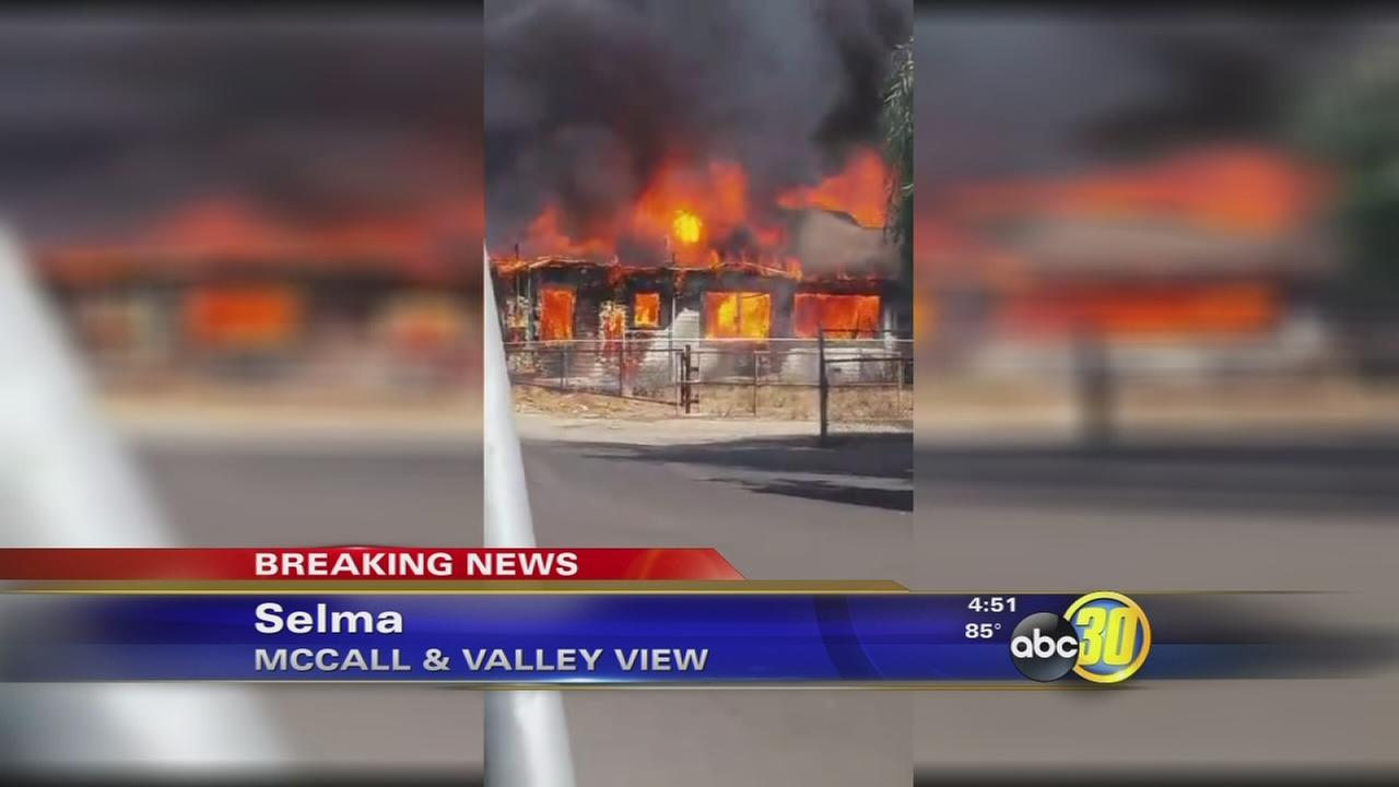 Fire burns 2 homes and vehicles in Selma