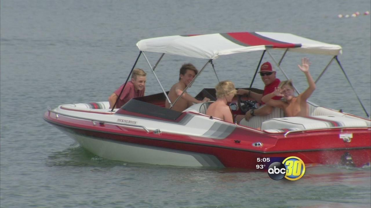Low water levels not putting off Millerton Lake visitors