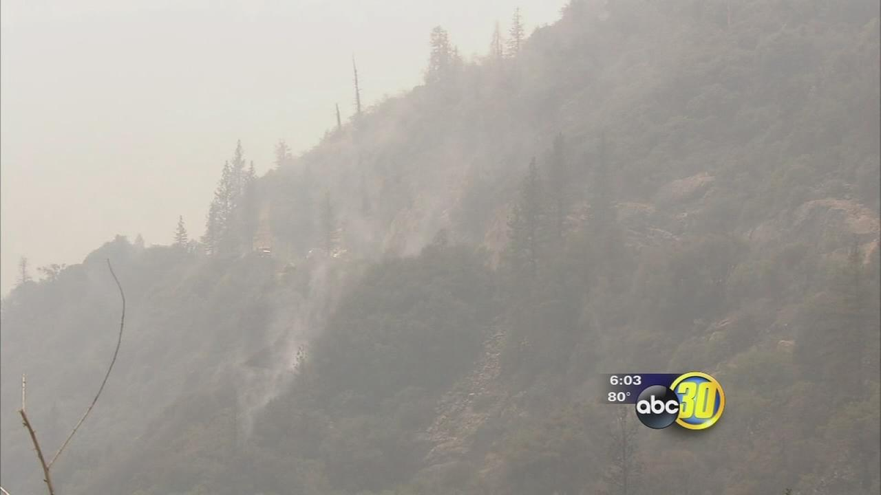 Rain falls on Rough Fire burning in Fresno County