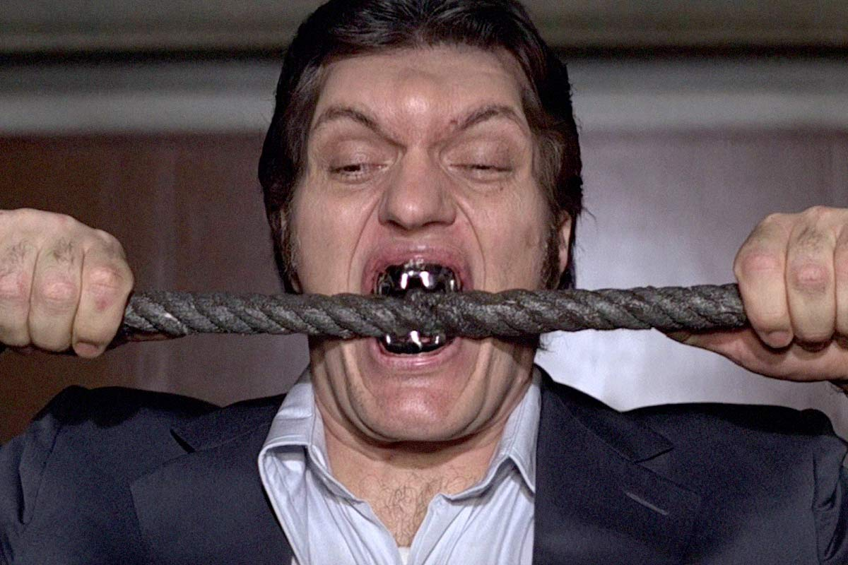 Richard Kiel, 'Jaws' from James Bond, dies in a Fresno hospital at 74